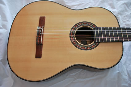 425_1000-Year-Old_Pepperwood_Flamenco_-_top-Guitar-Luthier-LuthierDB-Image-25