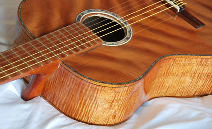425_Flamed_Koa_Guitar_top_sides-Guitar-Luthier-LuthierDB-Image-1