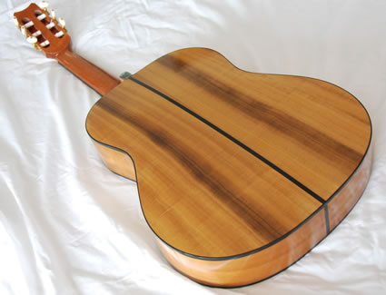 425__1000-Year-Old_Pepperwood_Flamenco_-_back-Guitar-Luthier-LuthierDB-Image-26